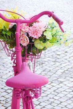 Bicicletta rosa. Fiori. Padalare :D