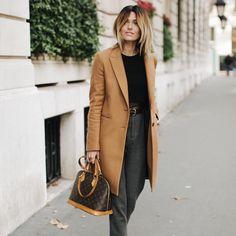 Inséparable de mon sac Louis Vuitton . // www.leasyluxe.com #louisvuitton #paris #leasyluxe