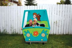 Photo Booth: Mystery Machine {Scooby Doo Party}