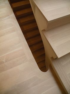 Find the best design projects by Steven Harris Architects at My Design Agenda New Staircase, Interior Staircase, Staircase Design, Stair Detail, Wood Detail, Architecture Awards, Architecture Details, Oak Stairs, Joinery Details
