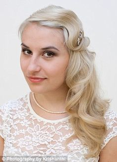 1920s hair tutorials! @Eleanor Steel you might want to check these out too :D So excited to see you tonight!
