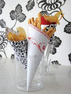 paper cones with vegetable crisps COOK Studio Healthy Crisps, Vegetable Crisps, Paper Cones, Domestic Goddess, Potato Chips, Vegan Recipes, Party Ideas, Vegetables, Studio