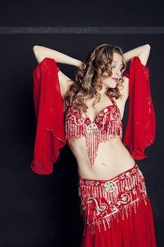 bellydance, red bella costume