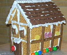 spitaki me sokolata kai ptimper Cake Frosting Recipe, Frosting Recipes, Christmas Mood, Christmas Crafts, Christmas Houses, Xmas Food, Sweet Recipes, Gingerbread, Food And Drink