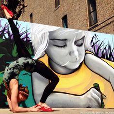 Gorgeous street yoga by Chicago yoga teacher Soren. See her on Instagram: @SpiritSoren