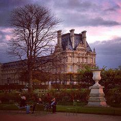 Brooding skies pass over the Louvre. Photo courtesy of vampireplayground on Instagram.