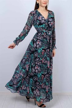 64,95 TL Desenli Kruvaze Yaka Bayan Şifon Elbise 12424B | ModamızBir Winter Dresses, Casual Dresses, Dress Winter, Christmas Look, Hijab Stile, Moda Emo, Most Beautiful Dresses, Winter Stil, Muslim Girls