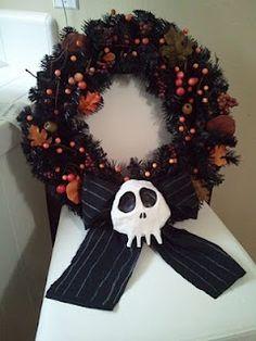 DIY Nightmare Before Christmas Halloween Props: DIY Haunted Mansion Holiday Wreath Prop