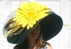 Found this on etsy! I cant afford it but my loss is someone else's gain! Its a stunner Kentucky Derby Hat Yellow Daisy Derby Time, Derby Day, Tea Party Attire, Headpieces, Fascinators, Church Hats, Kentucky Derby Hats, Wearing A Hat, Love Hat