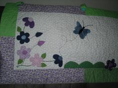 Bandô em patchwork, tecido 100% algodão, com manta resinada, quiltado, com aplicação de temas a escolha do cliente. Faço sobre medida.