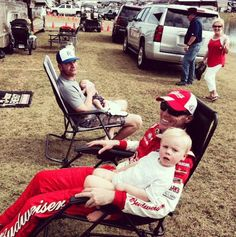 I love this picture of @KevinHarvick @ClintBowyer with their kids! #Priceless