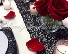 Corredor/negro tabla de cordón de arpillera por LovelyLaceDesigns