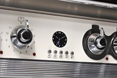 Steel cookers feature chunky, solid metal controls and stainless steel detailing to all lend a truly professional feel. The overall quality is impressive and combined with a pleasingly refined industrial appearance which will keep you happy for many years to come.