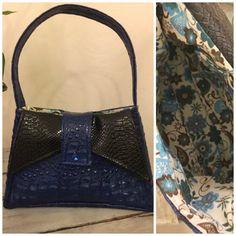 Sac vintage Ava cousu par Josie, en simili bleu nuit et noir - patron Sacôtin http://sacotin.com/boutique/patron-de-sac-ava/