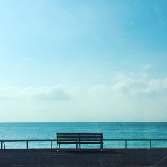 La promenade des anglais ce matin... L'été à l'air de vouloir s'installer Bonne semaine!  #summer #summertime #sun #hot #sunny #warm #fun #beautiful #sky #clearskys #season #seasons #instagood #instasummer #photooftheday #nature #TFLers #clearsky #bluesky #vacationtime #weather #summerweather #sunshine #summertimeshine