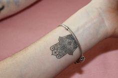 hand der fatima tattoo - Google-Suche                                                                                                                                                                                 Mehr