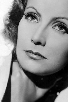 Greta Garbo http://sourvix.tumblr.com/post/31243113360