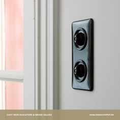 Did you know bakelite was invented by a belgian scientist? In 1907, Leo Baekeland marked the beginning of the modern plastics industry by inventing bakelite – an inexpensive, nonflammable and versatile material. Today, we use it for making electrical switches that last for decades, without getting out of trend either. See more on our website: http://www.classiccomfort.be/types/electrical-switches/