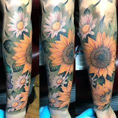 Sunflower Tattoo Meaning, Sunflower Tattoo Simple, Sunflower Tattoo Shoulder, Sunflower Tattoos, Sunflower Tattoo Design, Diy Tattoo, Tattoo Art, Tattoo Ideas, Tattoo Feminin