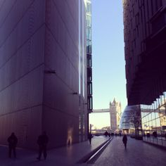 A glimpse of Tower Bridge on a crisp winter's day in #London 6°C I 43°F #BurberryWeather