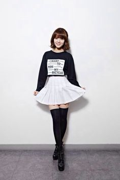 AOA's Jimin has a very cute and modern style that fits her style of rap perfectly Kpop Fashion, Punk Fashion, Grunge Fashion, Asian Fashion, Womens Fashion, Fashion Trends, Indie Fashion, Teen Fashion, Seolhyun