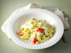 Kermainen pestopasta Cooking Recipes, Healthy Recipes, Healthy Food, Pesto, Macaroni And Cheese, Cabbage, Eggs, Vegetables, Breakfast