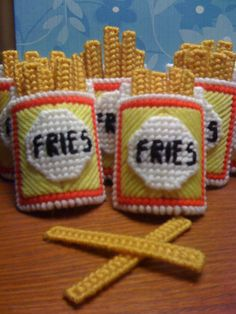 French Fry Magnets with fries that actually come out! Plastic Canvas Ornaments, Plastic Canvas Tissue Boxes, Plastic Canvas Christmas, Plastic Sheets, Plastic Canvas Crafts, Plastic Canvas Patterns, New Project Ideas, Yarn Thread, Needlepoint Patterns