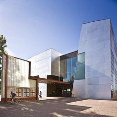 Kiasma Museum of Contemporary Art, Helsinki, Finland, Steven Holl, Museum Of Contemporary Art, Helsinki, Amazing Architecture, Colleges, The Expanse, Iceland, Art Museum, Denmark