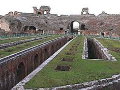 Tour of Italy - The Amphitheater of Capua Vettere