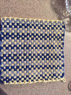 Potholder Loom, Potholder Patterns, Sewing Ideas, Sewing Crafts, You're Hot, Weaving Projects, Weaving Patterns, Loom Weaving, Hot Pads