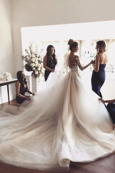 Wonderful Pic Cathedral Train Wedding Dress with Lace Long Sleeves Style Beautiful Wedding Dresses ! The present wedding dresses 2019 contains twelve different dresses in th Western Wedding Dresses, Long Wedding Dresses, Bridal Dresses, Wedding Gowns, Event Dresses, Wedding Attire, How To Dress For A Wedding, Wedding Dress Train, Perfect Wedding Dress