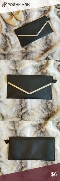 Black clutch Magnetic closing  Has one pocket inside Fair condition ✔ Zippers before closed Any questions let me know 😊 Windsor Bags Clutches & Wristlets
