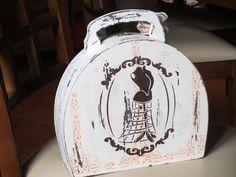 Parte de trás da maleta de mdf, feita com stencil