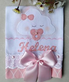 Baby Patchwork Quilt, Baby Quilts, Diy Crafts Images, Baby Clothes Quilt, Baby Kit, Diy And Crafts Sewing, Sewing Rooms, Pretty Baby, Bedroom Themes