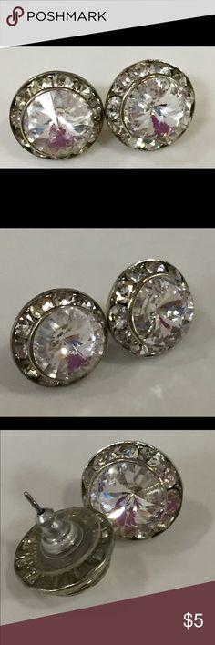 Rhinestone earrings Great condition Vintage Jewelry Earrings