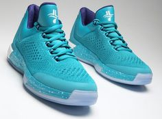 Jeremy Lin's Adidas Crazylight Boost 2015  http://tackl.com/article/incredible-photos-of-jeremy-lins-new-shoes-for-2015-adidas-crazylight-boost-2015-with-primeknit-125