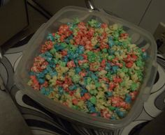Rainbow popcorn! Perfect for a rainbow party :)