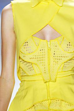 """Vera Wang RTW Spring classic color, modern take. Vera Wang, Dali, Yellow Fashion, Shades Of Yellow, Mellow Yellow, Yellow Dress, Fashion Details, High Fashion, Fashion Glamour"