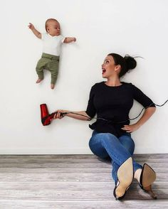 Mommybrain - When you end up blowdrying your baby instead of your hair 💁🏻♀️ Funny Baby Pictures, Newborn Baby Photos, Baby Poses, Cute Baby Pictures, Newborn Photography Poses, Newborn Baby Photography, Toddler Boy Photography, City Photography, Monthly Baby Photos