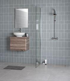 36 Modern Bathroom Design Ideas With Exposed Brick Tiles Subway Tile Patterns, Subway Tiles, Decor Interior Design, Interior Decorating, Tile Layout, Glazed Tiles, Brick Tiles, Wet Rooms, Exposed Brick