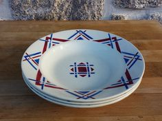 Beautiful plates 40's. Pattern Deco red and blue. by KikideLimoges #vogueteam