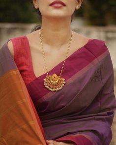 Jewelry Design Earrings, Gold Earrings Designs, Necklace Designs, Ring Designs, Gold Wedding Jewelry, Gold Jewelry, India Jewelry, Gold Necklace, Gold Mangalsutra Designs
