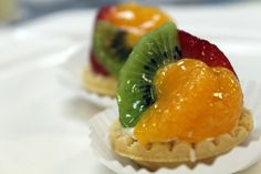 Willow Bend Bakery is a wholesale bakery in Dallas, Texas that specializes in providing a wide variety of French pastries, European-styled cakes, pies and more. Mini Pastries, French Pastries, Mini Fruit Tarts, Bite Size, Dessert Table, Avocado Toast, Bakery, Breakfast, Desserts