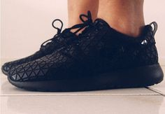 """Shout out of the day  Nike WMNS Roshe Run """"Metric"""" - image from Lea. Be creative and make one good looking pic with your kicks. Send your pic to justask@chicksonkicks.com"""