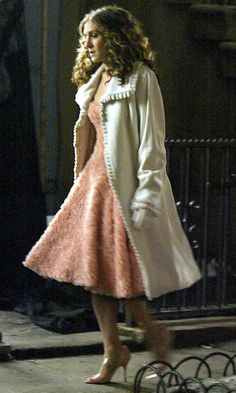 Carrie - I always loved this outfit and the grey gown from the final season when she's waiting for MB and Mr. Big shows up.