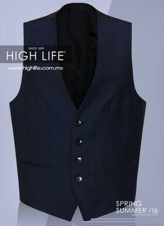 Un chaleco de corte recto a 4 botones es el complemento perfecto para resaltar en una ocasión especial. #HugoBoss