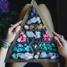 LOVE this crystal collection Crystal Magic, Crystal Grid, Crystal Healing, Crystals And Gemstones, Stones And Crystals, Crystal Aesthetic, Crystal Decor, Crystal Altar, Crystal Room
