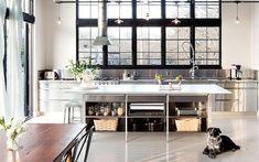 Cozinhas de inox: 14 ideias para se inspirar