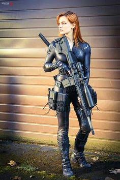 Character: Black Widow / From: MARVEL Comics 'Avengers' / Cosplayer: Unknown