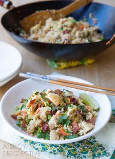 Easy Paleo Cauliflower Fried Rice #Paleo #GrainFree #Healthy